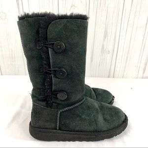 """UGG """"FLAWED"""" KIDS BLACK BAILEY BUTTON BOOTS 4"""